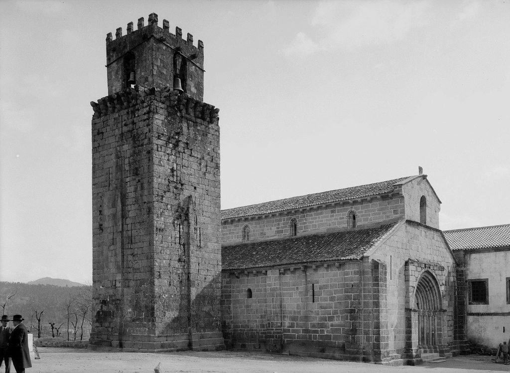 Imagem dos inícios do séc. XX do Mosteiro de S. Salvador de Travanca