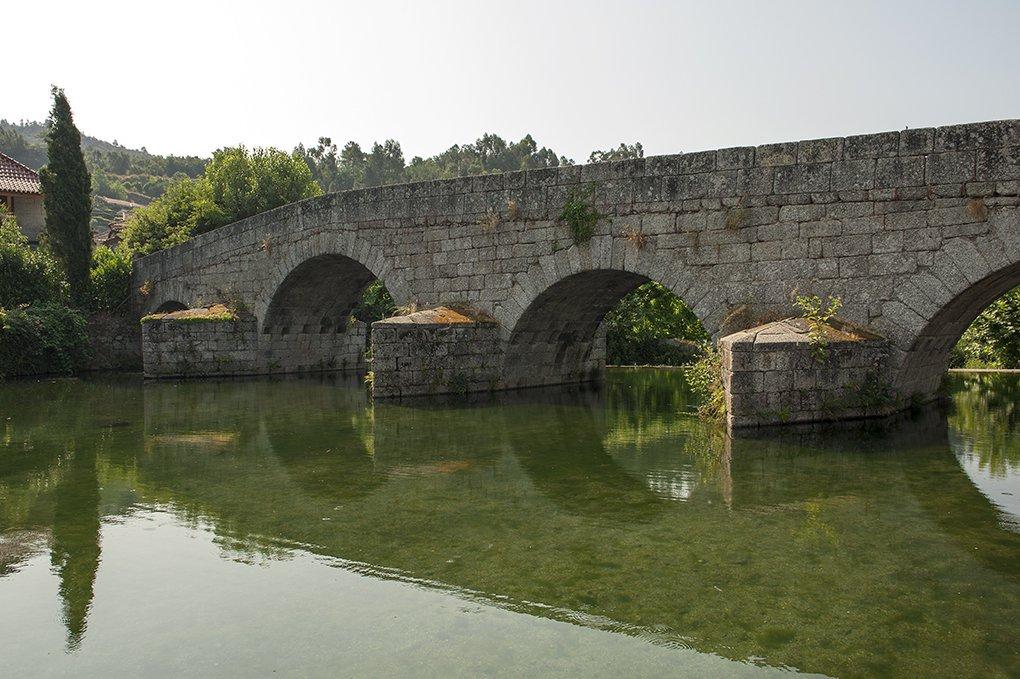 Ponte de Fundo de Rua