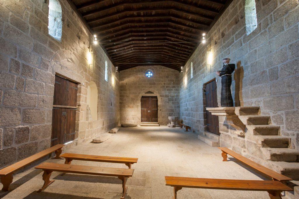 Interior da Igreja de Santa Maria de Gondar, voltado para a entrada principal