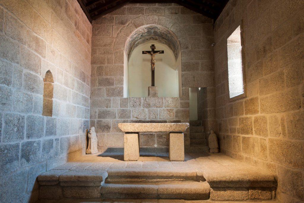 Altar-mor, interior da Igreja de Santa Maria de Gondar