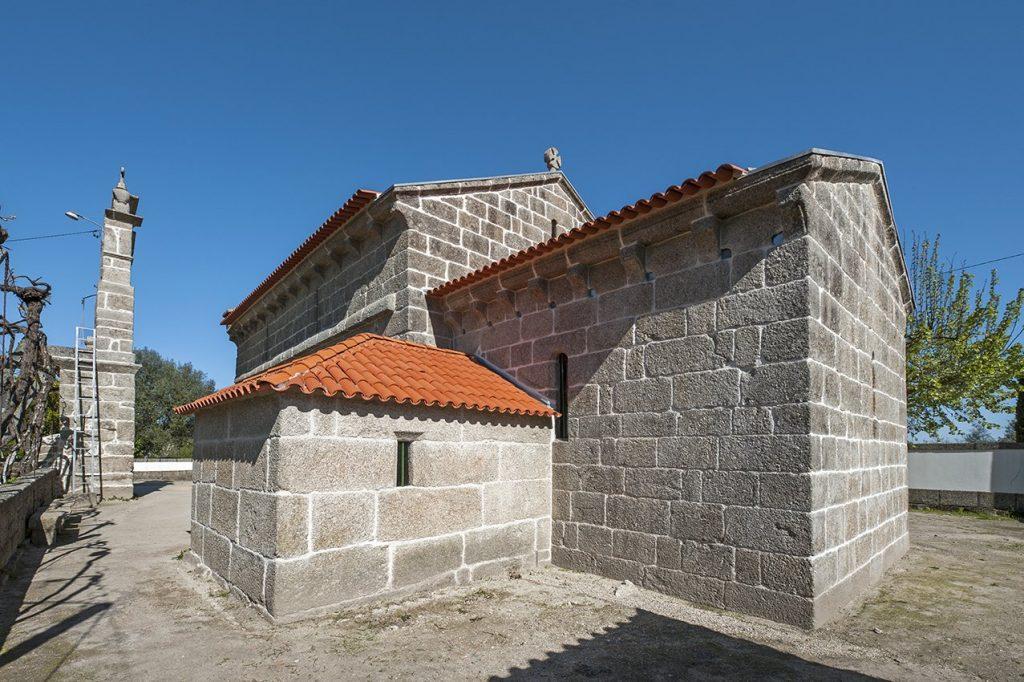 Igreja de Santa Maria de Jazente, exterior