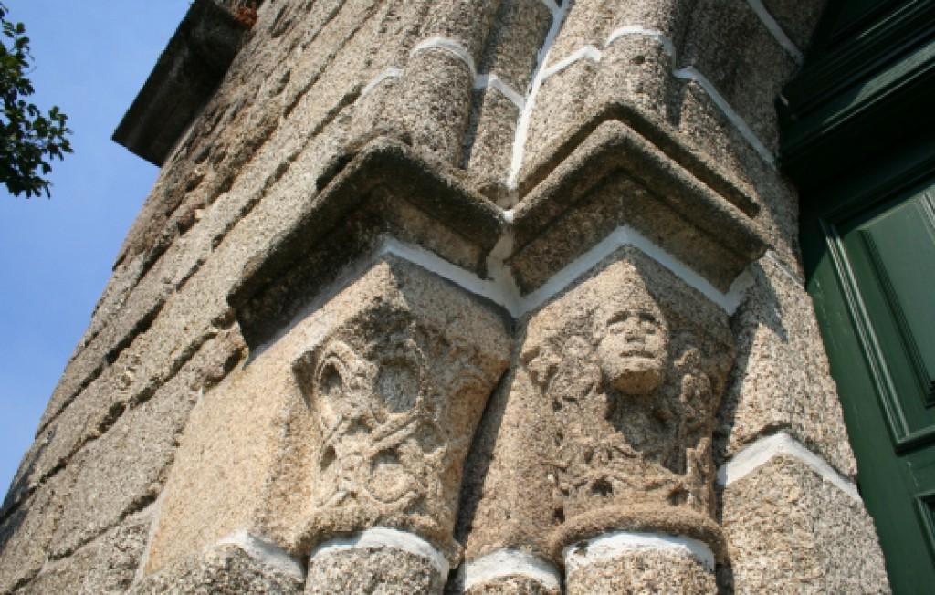 Capiteis, pormenor Igreja do Salvador de Real