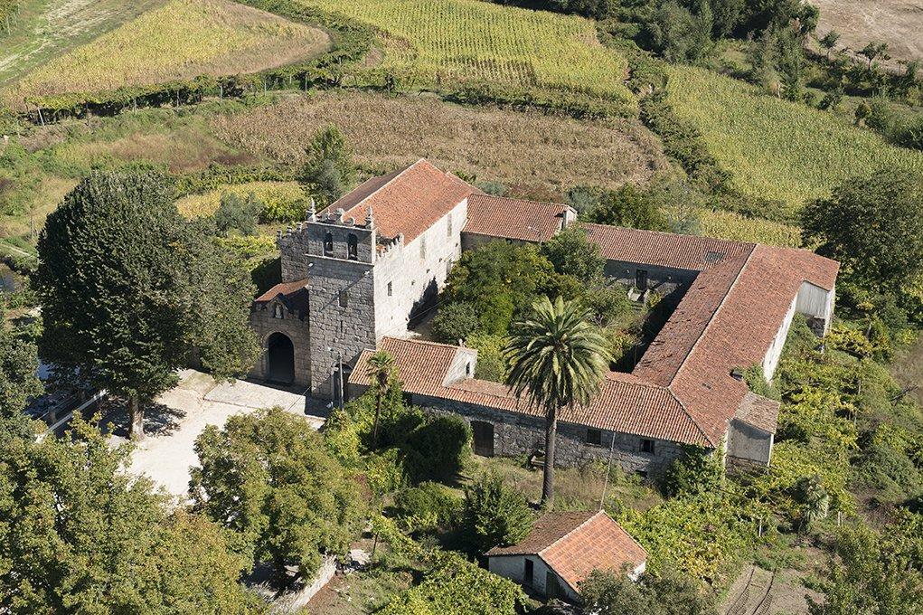 Vista aérea do Mosteiro de São Martinho de Mancelos