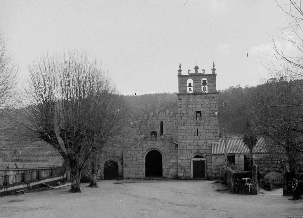 Imagem dos inícios do séc. XX do Mosteiro de São Martinho de Mancelos