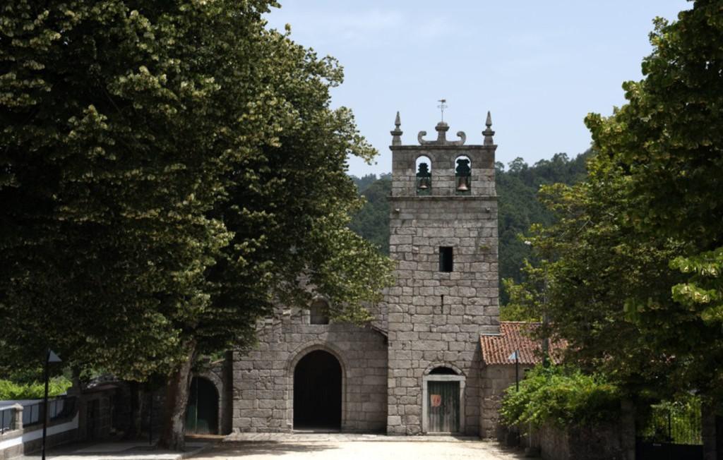 Mosteiro de São Martinho de Mancelos, exterior
