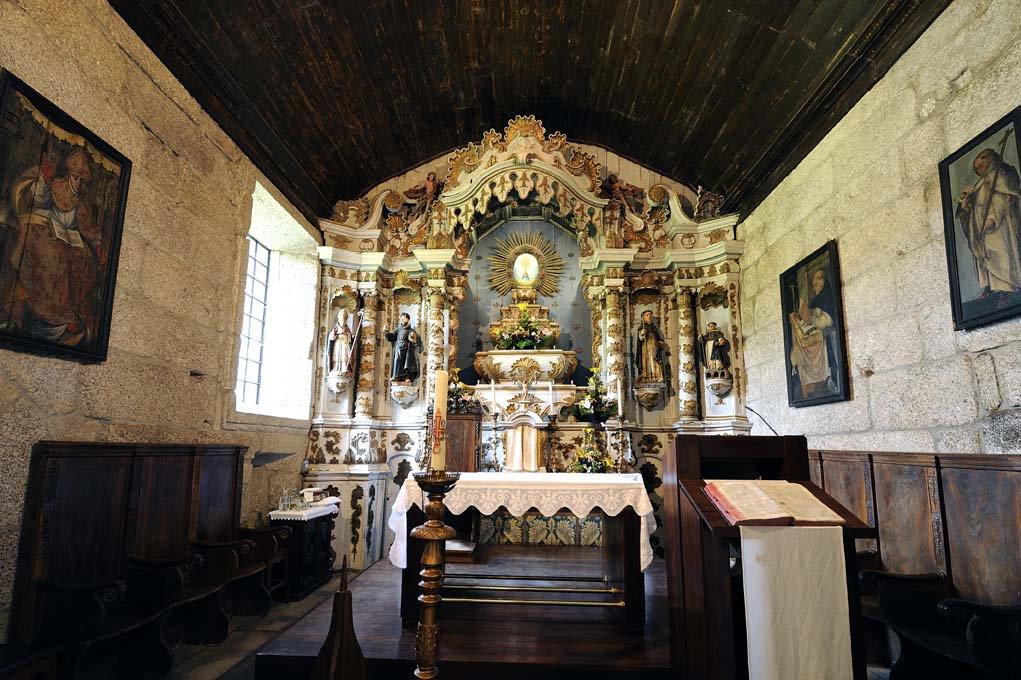 Capela-mor, interior do Mosteiro de São Martinho de Mancelos
