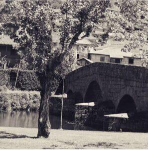 Ponte Fundo de Rua, Aboadela. Foto publicada por jmanuel_ribeiro9589 no Instagram.