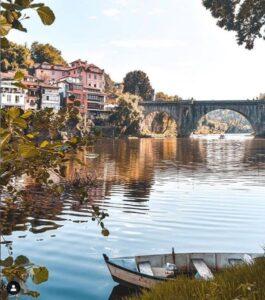 Rio Tâmega e Ponte de São Gonçalo. Foto publicada por visitamarante no Instagram.