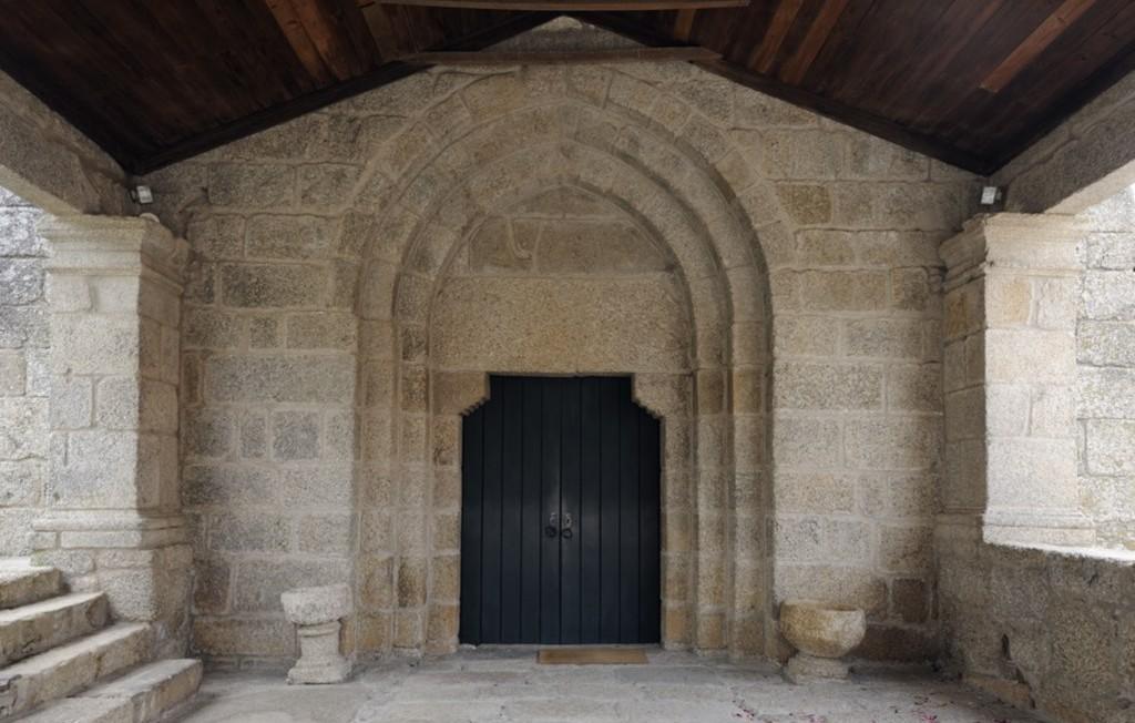 Galilé e Portal Ocidental da Igreja de Santo André de Telões