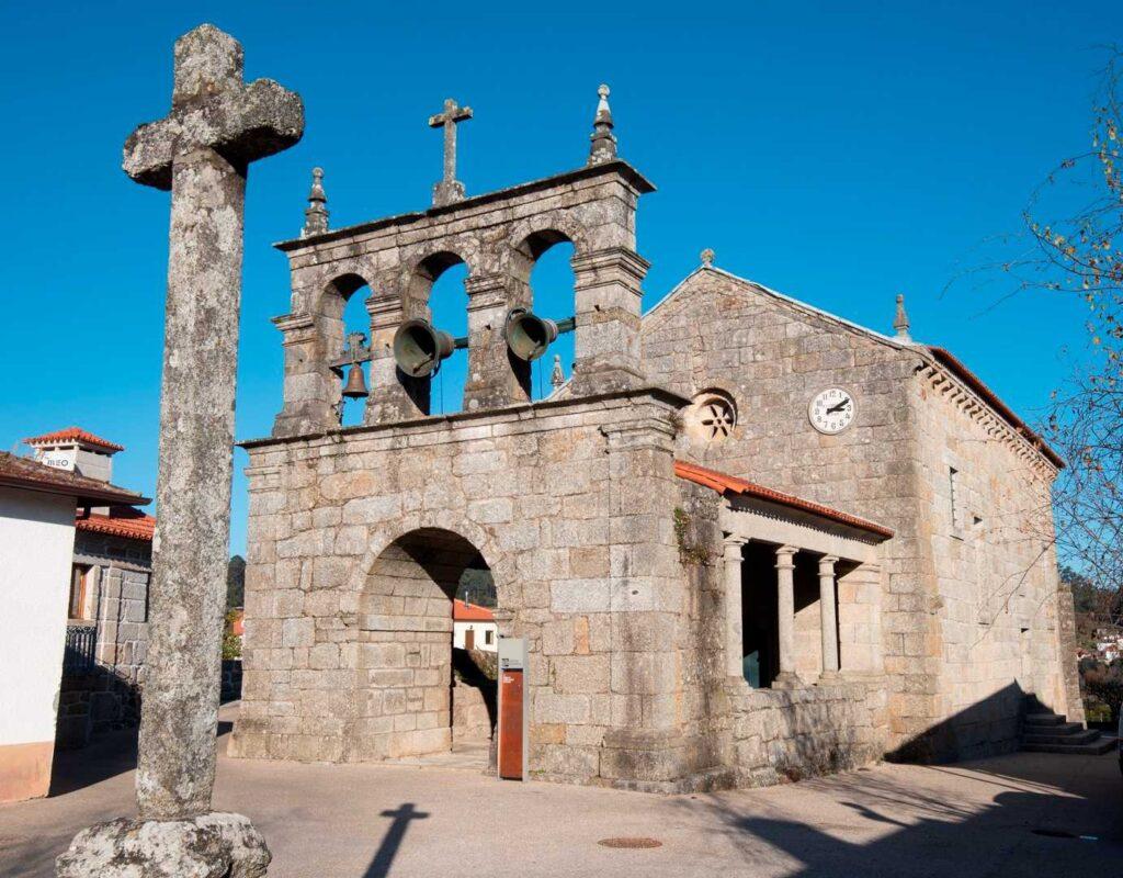 Igreja de Santo André de Telões, exterior