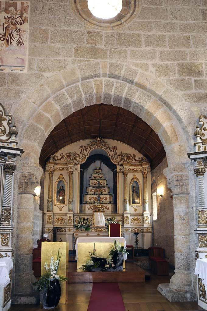Capela-mor, interior da Igreja de Santo André de Telões