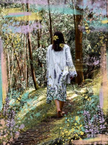 Caminhar em trilho florestal